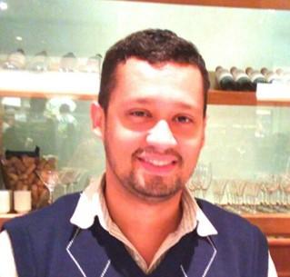 Dr. Edson R. A. Oliveira